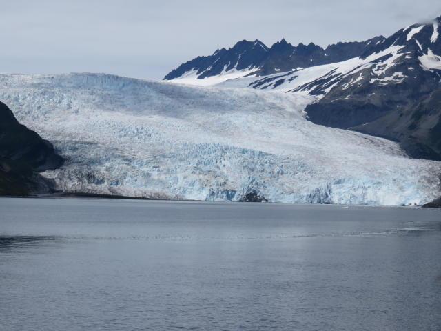 s Glacier is 3 miles (5 km) across